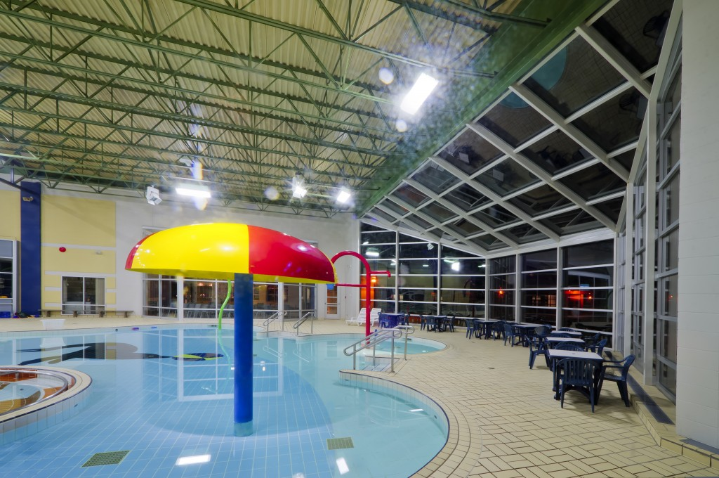 Varennes pool and youth center - Lavacon - Construction